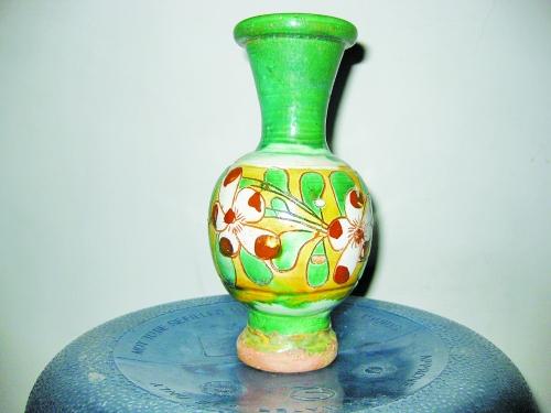 皱纹纸粘贴画花瓶