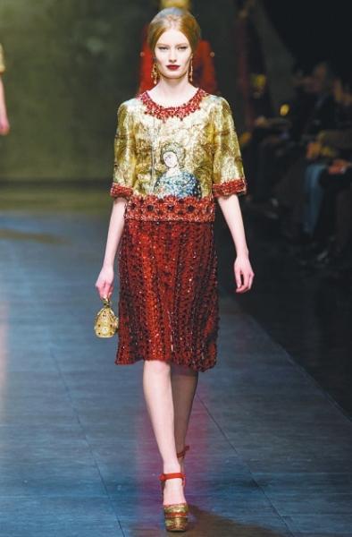 中世纪风格设计服装