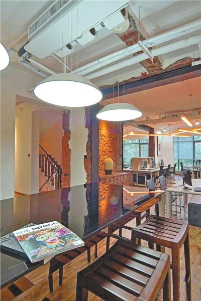整体设计风格与功能布局打破常规,另类设计使客户愉悦,享乐理念使谈判