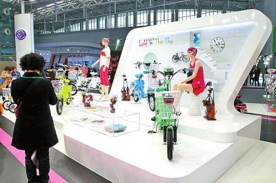 电动三轮车品牌有:永久,飞鸽,路瑞马,安力美,飞箭,艾美达,杰工