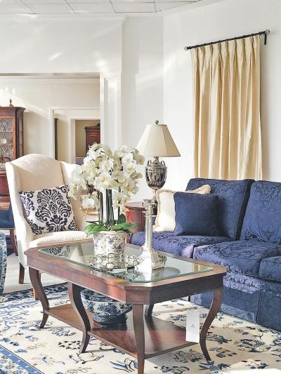 古典蓝色纹样单人沙发