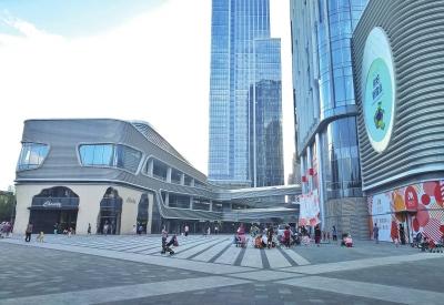 """""""鹤壁万达广场开业,3天人流量超60万,对于鹤壁淇滨区20余万的"""