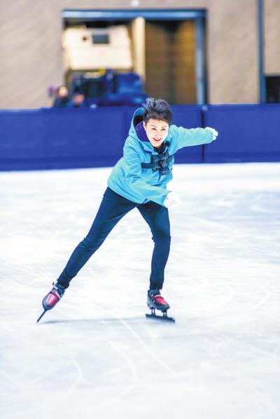 《我们的师父》张凯丽展示速滑功夫