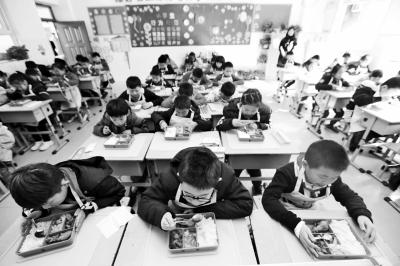 午餐供餐+课后托管,金水区10所学校开始实现午餐供应