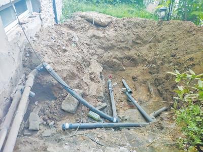 郑州怡丰森林湖业主私改燃气管道泄漏 工人竟然跑了 几百户邻居停气
