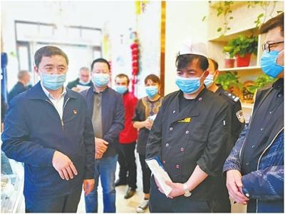 """一位新疆干部的""""河南情"""" 他扎根中原7年,年均只回一次家"""