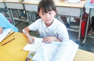 周口8岁女孩将学校营养餐中的大虾留给妈妈 孝心感动网友