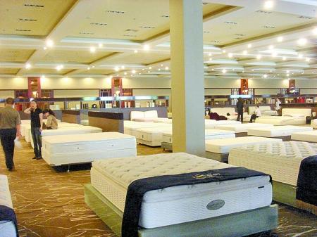 其他产品多注重款式等外包装,床垫产品则更关注内部的用料,结构设计等