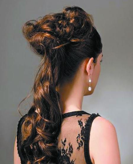 清纯甜美的中短发发型图片