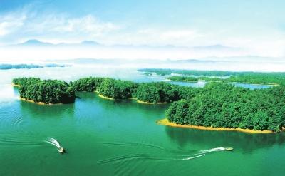 湖和青山儿童手绘画