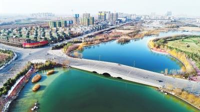 2月23日,鸟瞰许昌市建安区北海公园,城水相依,风景迷人.