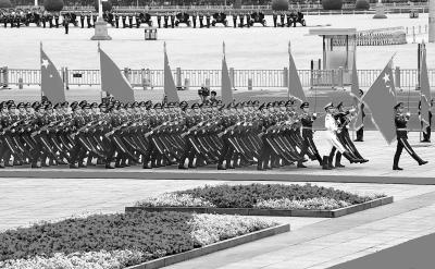 外国元首抵达变换路线,增设手持红旗仪仗兵——     改革后,外宾