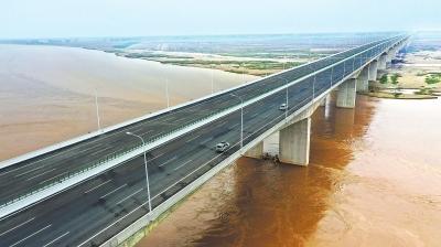 官渡黄河大桥通车