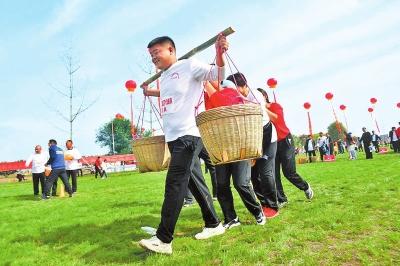 体育扶贫助力乡村振兴 农民健身大会 欢乐送到田