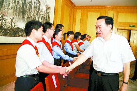 省委副书记陈全国亲切接见司法行政系统先进事迹