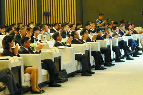 此次峰会的召开,不但标志着青岛涵碧楼的正式启用,也标志着台湾乡林