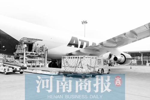 郑州机场发展五年 客运与货运成