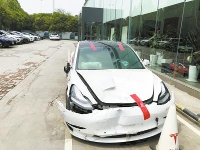 特斯拉公布数据:车祸发生前1分钟 究竟发生了啥?