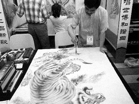 """""""这老虎比周正龙拍的还像真的"""""""