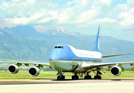 美国货运747飞机坠毁
