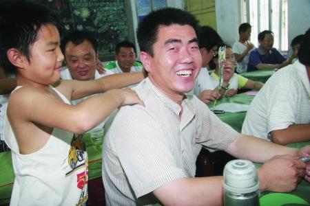 父亲简谱刘和刚-安阳市最好的中小学都有哪些 哪些今年要招老师 谢谢