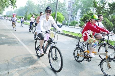 骑着自行车的风景