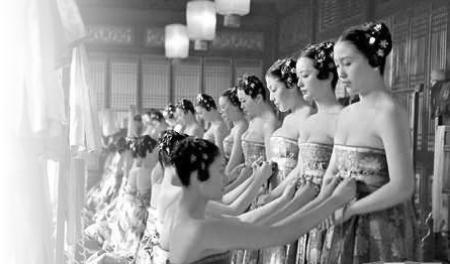 为何袒胸露乳; 中国古代女子服饰|中维图片网