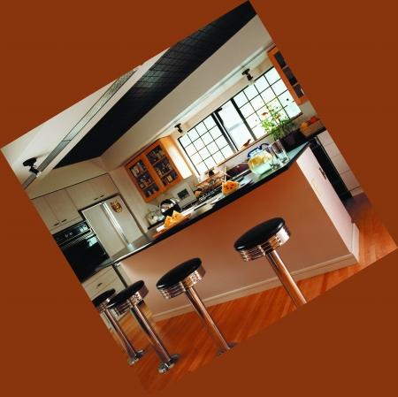 在开放式厨房里,用岛台的形式把餐厅和厨房