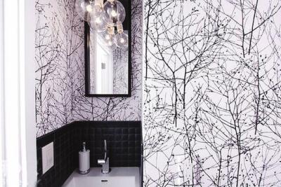 整款壁纸花纹看似简单,纤细的枝条爬满整个墙面.