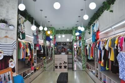 七夕服装店荧光板图案设计-简单时尚服装刺绣图案