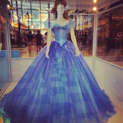 蓝色婚纱设计图手绘