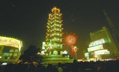 1985年,郑州市动物园在关虎屯建成并开放后,郑州市更是与虎难解难