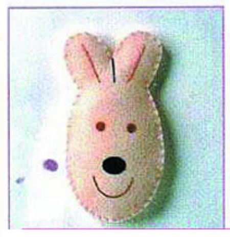 布得布爱手工坊使用的不织布都是进口材料,小朋友在制作的过程中,家长