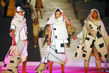 奇葩服装设计图片