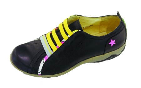 4孔鞋带系法步骤图解
