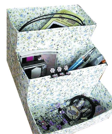 學習變廢為寶的diy技巧吧,打造簡約又個性的玻璃瓶罐相框和碎花收納盒圖片