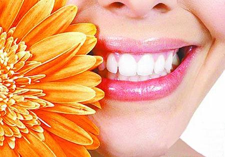 很多人都有长智齿的经历,不少人尝尽了苦头,牙龈肿痛,发烧,最后还要