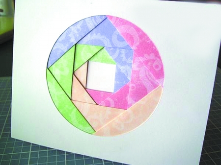 用圆规画出美丽图案
