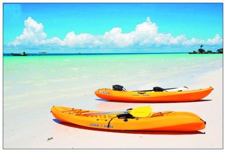 汕头南澳岛   南澳岛整个县城就是一座岛,背靠七娘山,前对大海