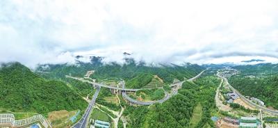"""""""河南最美高速""""为一山村带来5亿元项目"""